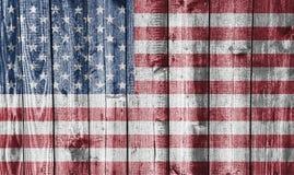 Flagga på ridit ut trä Royaltyfria Bilder
