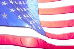 flagga USA amerikanska flaggan Amerikanska flaggan som blåser vind Royaltyfri Foto