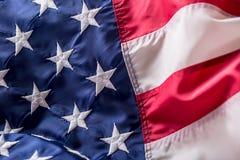 flagga USA amerikanska flaggan Amerikanska flaggan som blåser vind Fjärde - 4th av Juli Arkivbild
