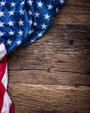 flagga USA amerikanska flaggan Amerikanska flaggan som ligger fritt på träbräde Se mer italiensk mat tonat foto Arkivbilder