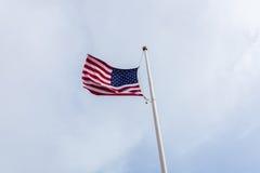 flagga USA som vågr wind Arkivbild