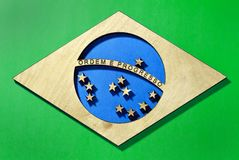 Flaggan av Brasilien, grund klippte från ett träd royaltyfria foton