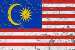 Flaggan av Malaysia målade på den spruckna smutsiga väggen Nationell modell p? tappningstilyttersida vektor illustrationer