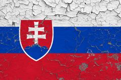 Flaggan av Slovakien målade på den spruckna smutsiga väggen Nationell modell p? tappningstilyttersida vektor illustrationer