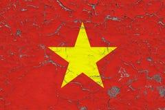 Flaggan av Vietnam målade på den spruckna smutsiga väggen Nationell modell p? tappningstilyttersida vektor illustrationer