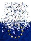 Flagge der Europäischen Gemeinschaft, die als simbol der Krise sich auflöst Lizenzfreie Stockfotografie