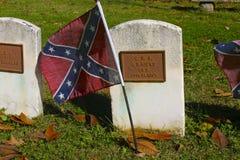 Flagge der Konföderierten auf Bürgerkrieg-Grab Stockfotografie