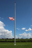 Flagge am halben Mast an Chalmette-Schlachtfeld Stockbild