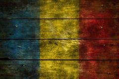 Flagge Rumänien auf Holz lizenzfreies stockbild