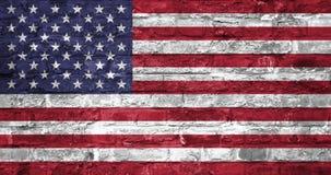 Flagge von den Vereinigten Staaten von Amerika über einem alten Backsteinmauerhintergrund, Oberfläche Indicateur des Etats-Unis stockfotografie