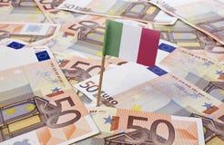 Flagge von Italien haftend in 50 Eurobanknoten (Reihe) Stockfotos