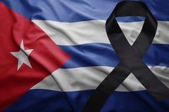 Flagge von Kuba mit schwarzem Trauerband Lizenzfreies Stockfoto