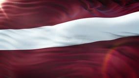 Flagge von Lettland wellenartig bewegend auf Sonne Nahtlose Schleife mit in hohem Grade ausführlichem Gewebe textu stock footage