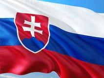 Flagge von Slowakei wellenartig bewegend in den Wind gegen tiefen blauen Himmel Gewebe der hohen Qualit?t stockbilder