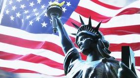 Flagge von USA, die auf aufgehende Sonne mit Freiheitsstatuen wellenartig bewegen geschlungen lizenzfreie abbildung