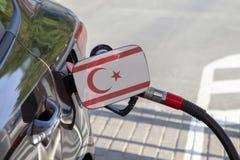 Flagge von Zypern Nord auf der Auto ` s Brennstoff-Füllerklappe lizenzfreies stockfoto