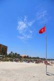 Flaggen auf der Küste in der Stadt von Sousse Tunesien stockfoto