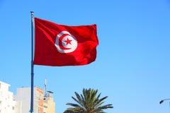 Flaggen auf der Küste in der Stadt von Sousse Tunesien stockfotos