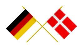 Flaggen, Dänemark und Deutschland Stockfotografie