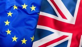 Flaggen des Vereinigten Königreichs und der Europäischen Gemeinschaft BRITISCHE Flagge und EU-Flagge Britische Union- Jackmarkier Lizenzfreies Stockbild