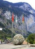 Flaggen und Felsen Lizenzfreies Stockfoto