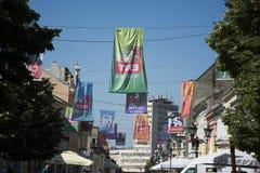 Flaggen von AUSGANGS-Festival 2015 im Stadtzentrum von Novi Sad Lizenzfreies Stockbild