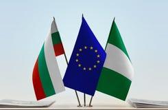 Flaggen von Bulgarien EU und von Nigeria lizenzfreies stockbild