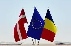 Flaggen von Dänemark EU und von Tschad lizenzfreies stockbild