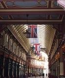Flaggen von der Decke Lizenzfreie Stockfotografie