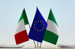 Flaggen von Italien EU und von Nigeria lizenzfreies stockfoto