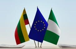 Flaggen von Litauen EU und von Nigeria stockbilder