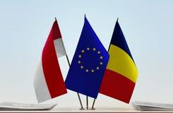 Flaggen von Monaco EU und von Tschad stockfotografie
