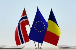 Flaggen von Norwegen EU und von Tschad lizenzfreie stockfotos