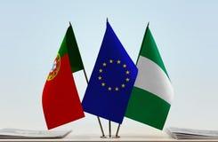 Flaggen von Portugal EU und von Nigeria stockfotografie