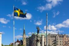 Flaggenansicht in die Stadt von Stockholm lizenzfreie stockbilder