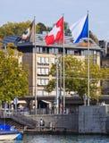 Flaggor av den Zurich filmfestivalen, Schweiz och Zurich Royaltyfri Foto