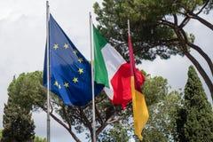 Flaggor av europeisk union, Italien och av staden av Rome Royaltyfri Fotografi