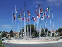 Flaggor av olika länder av världen Rimini italy Fotografering för Bildbyråer
