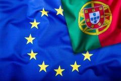 Flaggor av Portugal och den europeiska unionen Portugal flagga och EU-flagga Inre stjärnor för flagga Världsflaggabegrepp Royaltyfri Foto