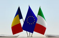 Flaggor av Rumänien europeisk union och Italien royaltyfri fotografi
