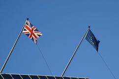 Flaggor av Storbritannien och europeisk union Royaltyfri Bild