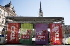 Flaggor av UTGÅNGSfestivalen 2015 i centrum av Novi Sad Royaltyfri Bild