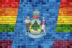 Flaggor för tegelstenvägg Maine och bög Royaltyfri Bild