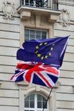 Flaggor för UK - EUROPA Royaltyfri Fotografi