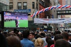 flaggor för fyrverkerier för dag för bakgrundsbastille celebratory Arkivfoto