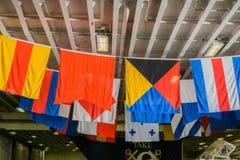 Flaggor ombord av USS Essex; San Francisco arkivfoto