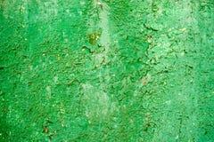 Flagnande gammal grön målarfärg på metall Fotografering för Bildbyråer