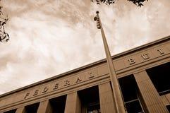 Flagpole federal do edifício imagem de stock royalty free