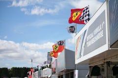 flags formeln en silverstone Arkivfoton
