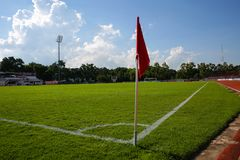 Flagstengi narożnikowy kopnięcie przy Khonkaen boiskiem piłkarskim , Tajlandia , 05 Fotografia Stock